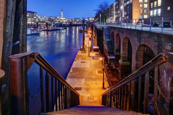 escadas ao porto inland
