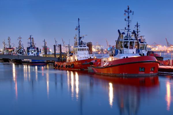 porto de hamburgo reboque na posicao