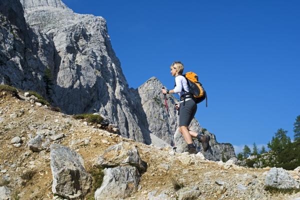 mulher ir passeio viajar enorme topo