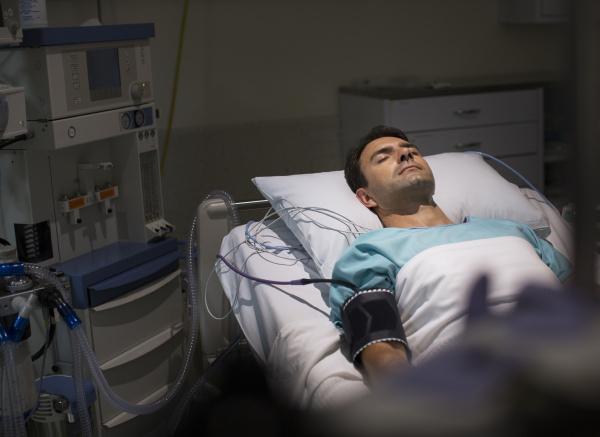 cama horizontalmente emergencia hospital corda horizontal