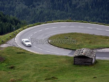 conduzir montanhas alpes austria carro veiculo