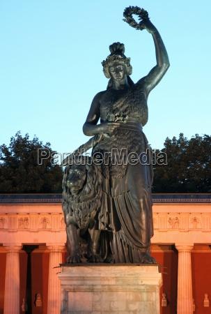 monumento estatua noite bavaria crepusculo munique