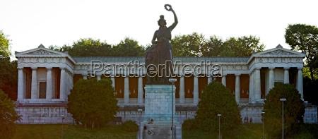 estatua leao gato colunas bavaria vista