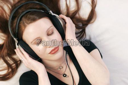mulher belo agradavel musica ouvir relaxamento