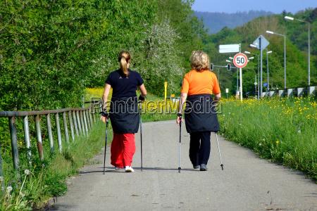 caminhada nordica