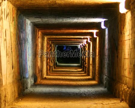 espaco trevas noite tunel aneis cor