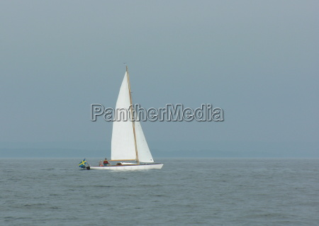 neblina vela suecia agua mar baltico