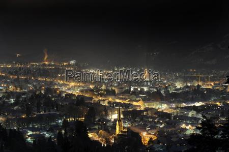 city garmisch partenkirchen at night