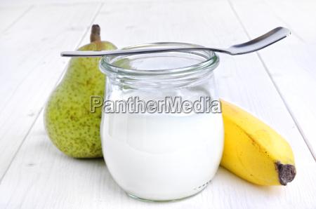 yogurt em um vidro