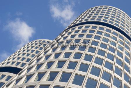 arquitetura moderna curvada