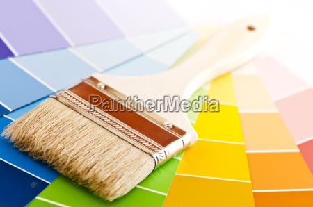 escova de pintura com cartoes de