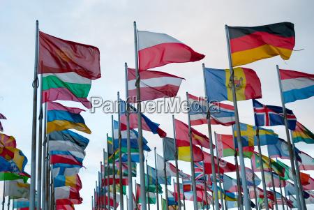 bandeiras do estado no vento