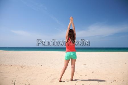 mulher lazer estilo de vida praia