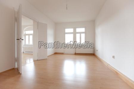 espaco vazio de um antigo apartamento