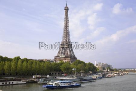 torre passeio viajar cidade arvore trafego