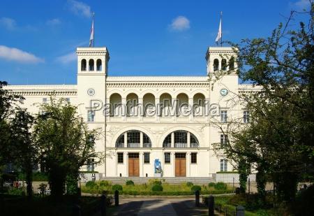 colunas berlim museu bandeira termino construcao