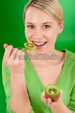 kobieta womane baba jedzenie wyzywienie zywnosc