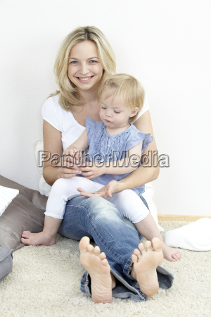 mother and daughter with globuli