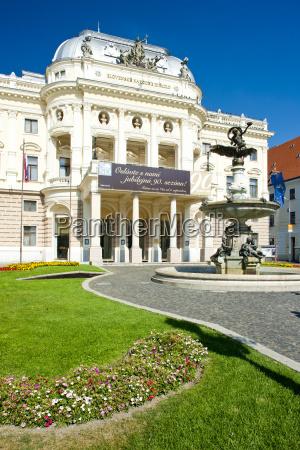 teatro nacional eslovaco bratislava eslovaquia