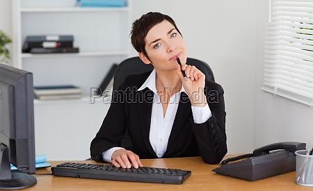 mulher pessoas povo homem escritorio mulheres