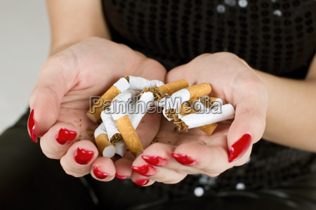 cigarro viciado nicotina quebra fratura ruptura