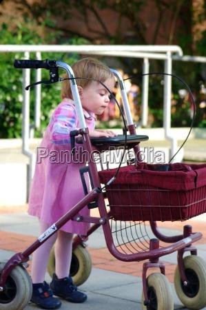 saude ajuda crianca incapacidade menina meninas