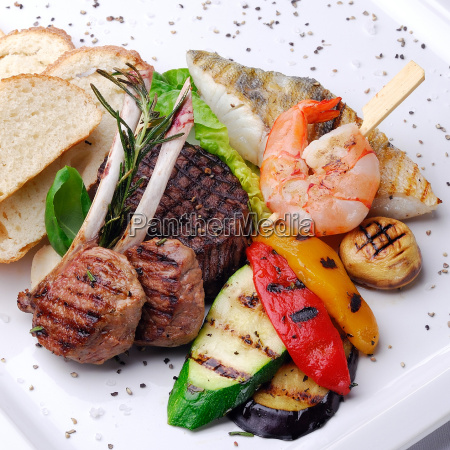 peixe cozinheiros cozinhar delicioso frutos do