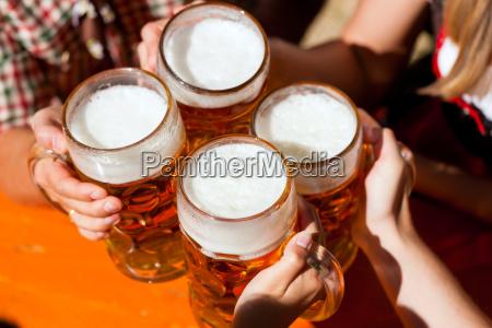 uma caneca fresca da cerveja no