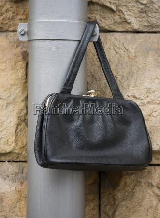 bolsa objeto moda negro couro compras