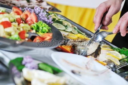 restaurante pessoas povo homem alimento homens