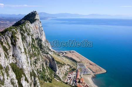 rocha de gibraltar pelo mar mediterraneo