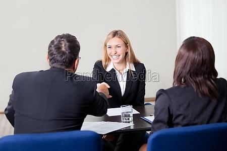 entrevista trabalho feminino lei candidato recrutamento