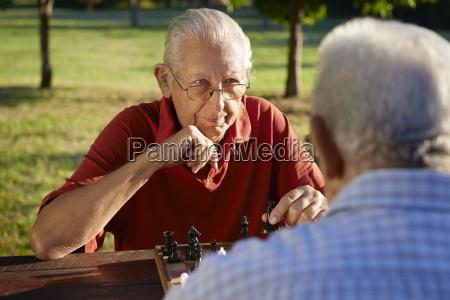 povos aposentados ativos dois homens senior
