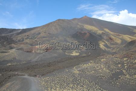 cratera lava sicilia montanha vulcao italia
