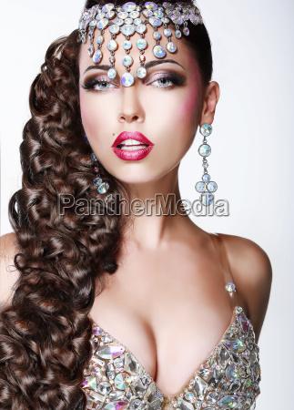 glam luxo mulher elegante com a