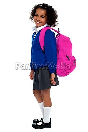 garota do ensino fundamental de cabelos