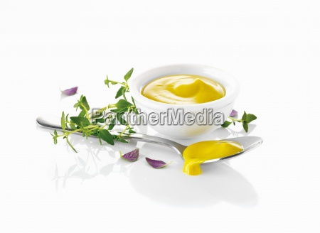 freestanding mustard sauce outline silo cut