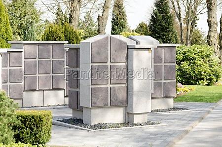 neue urnengraeber