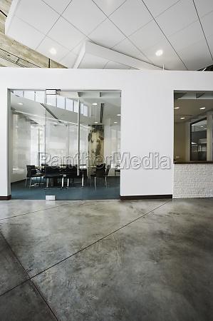 vista interior de um moderno edificio