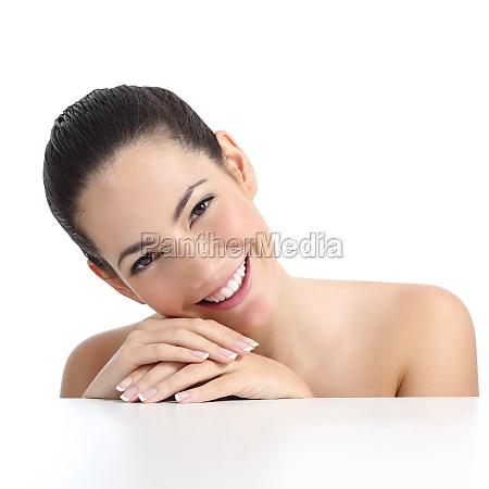 mulher de beleza com manicure pele