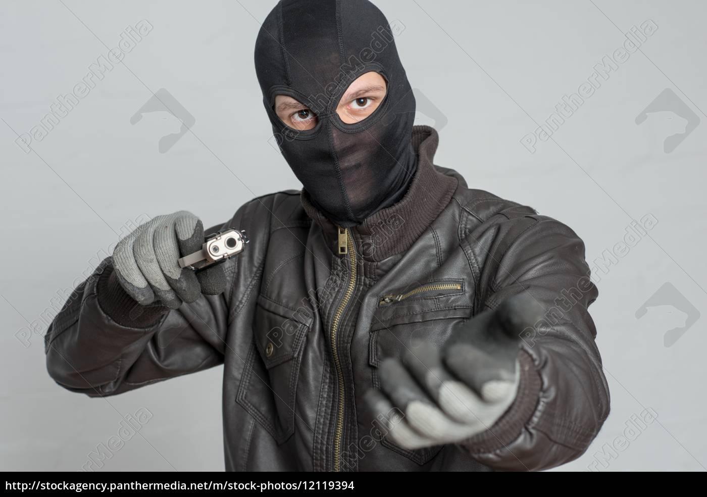 o, assaltante, ameaça, com, arma - 12119394