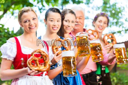 restaurante taverna traje jardim da cerveja