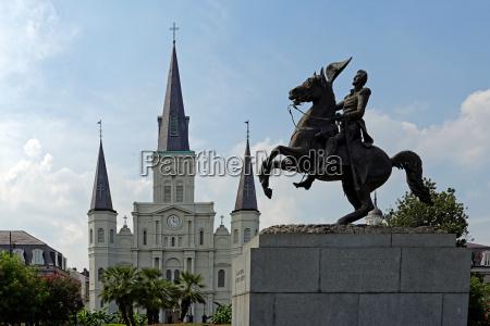 estatua catedral estilo de construcao arquitetura