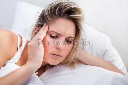 retrato da mulher com dor de
