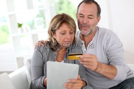 pares senior que usam o cartao