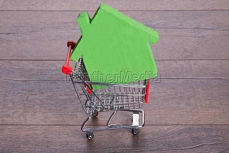 casa, no, carrinho, de, compras - 12541396