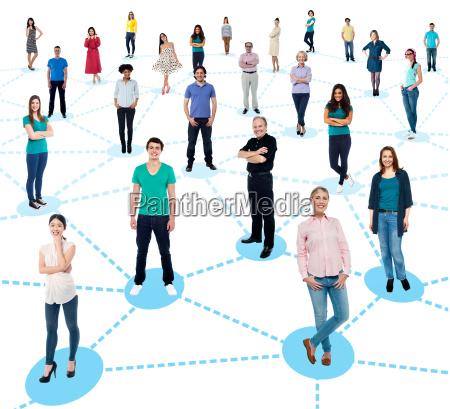 pessoas diversificadas rede