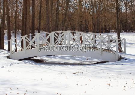 parque ponte temporada de madeira branco