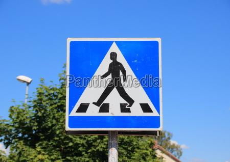 sinal ir pedestre cruzamento passadico passarela