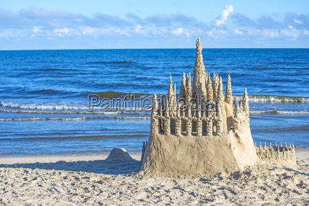 sandcastle no mar baltico